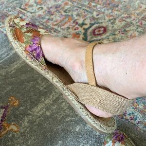 Dolce by Mojo Moxy floral espadrilles 11